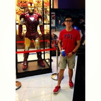 Photo taken at mmCineplexes by Wey Yao on 5/23/2013