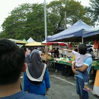 Photo taken at Pasar Malam Port Dickson by Muhammad Ikhwan Syafiq S. on 10/1/2016