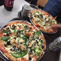 Photo taken at Pomodoro Pizza by Hayder A. on 10/25/2016