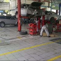 Photo taken at PT.BOSOWA BERLIAN MOTOR,MITSUBISHI by Nofiar T. on 12/7/2013