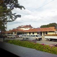 รูปภาพถ่ายที่ Tenom Town โดย Jonnathan S. เมื่อ 7/23/2013