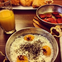 3/23/2013 tarihinde Erbil K.ziyaretçi tarafından Baal Cafe & Breakfast'de çekilen fotoğraf