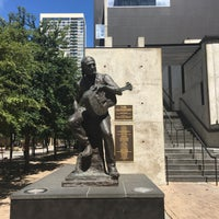 Photo taken at Willie Nelson Statue by TeaBelly on 6/6/2017