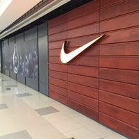 Photo taken at 金谊J广场 | Jinyi J Mall by Zhou H. on 8/13/2016