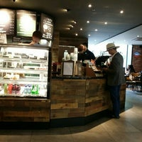 Photo taken at 星巴克 Starbucks by Zhou H. on 10/10/2015