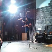 Foto tomada en The Milburn Stone Theatre por Josh W. el 8/12/2014