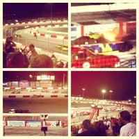 Foto tirada no(a) Bullring at Las Vegas Motor Speedway por Edgar G. em 7/4/2013