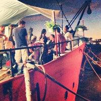 Снимок сделан в Lightship Frying Pan @ Pier 66 Maritime пользователем Edgar G. 7/25/2013