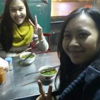 Foto tirada no(a) Bánh Căn Hồ Út por Nami T. em 10/4/2013