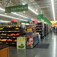 Foto tirada no(a) Walmart Supercenter por Mr. M. em 6/10/2014