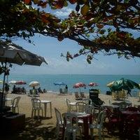 Foto tirada no(a) Praia da Pajuçara por Luana d. em 12/9/2012