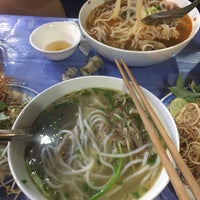 Photo taken at Bún Bò Huế O Xuân - Cơ Sở 2 by Hanah P. on 10/10/2016