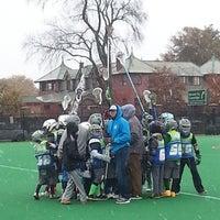 11/2/2014 tarihinde Malia O.ziyaretçi tarafından Jordan Field'de çekilen fotoğraf