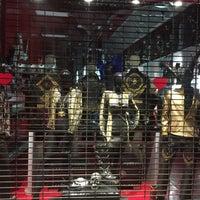 Photo taken at Melrose Avenue Shopping by Gokkus on 8/8/2017