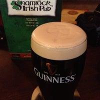 Das Foto wurde bei Shamrock Irish Pub von Can K. am 6/26/2013 aufgenommen