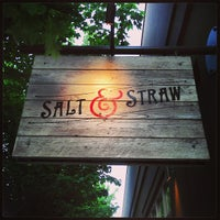 5/10/2013 tarihinde Zach C.ziyaretçi tarafından Salt & Straw'de çekilen fotoğraf