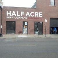 รูปภาพถ่ายที่ Half Acre Beer Company โดย Larry G. เมื่อ 10/29/2012