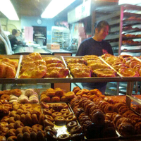Photo prise au Bob's Donuts par Colin G. le1/14/2013