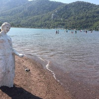 รูปภาพถ่ายที่ Kız Kumu Plajı โดย Saime G. เมื่อ 8/31/2017