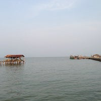 Photo taken at ท่าเทียบเรือสุทธิ by 愛神 on 4/8/2013