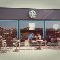 5/20/2013 tarihinde Kevin K.ziyaretçi tarafından Starbucks'de çekilen fotoğraf