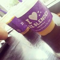 Photo taken at The Coffee Bean & Tea Leaf by SEONGJIN J. on 7/10/2014