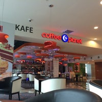 Photo taken at Coffee Planet Tower 3 KLCC by Desmond W. on 12/29/2014