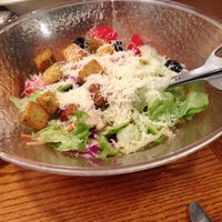 Photo taken at Olive Garden by Joey R. on 11/23/2012