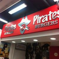 Foto tomada en Pirates Burgers por Pepe O. el 6/2/2013