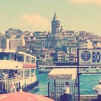 Das Foto wurde bei Eminönü Sahili von Özge T. am 6/21/2013 aufgenommen