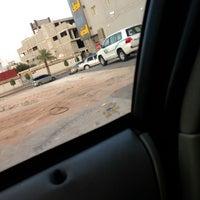 Photo taken at تقاطع عمر بن عبدالعزيز مع عنيزه by haneen .. on 7/4/2013