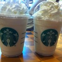 Photo taken at Starbucks by Jeerinun C. on 10/10/2012