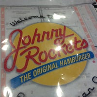 Photo taken at Johnny Rockets by Vania M. on 5/19/2013