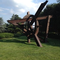 Foto scattata a National Gallery of Art - Sculpture Garden da KarBel M. il 7/15/2013