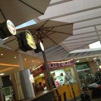 Foto tirada no(a) Villaggio Mall Center por Giovana B. em 1/19/2013