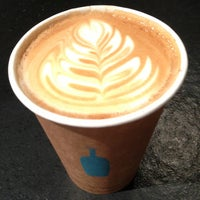 Photo taken at Blue Bottle Coffee by Masashi S. on 4/20/2013