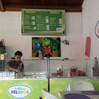 Photo taken at Sorbeteria Dos Pinos by Karen Mercedes G. on 7/13/2013
