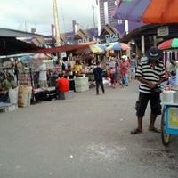 Photo taken at Pasar Ulin Raya by Rasyad A. on 4/26/2014