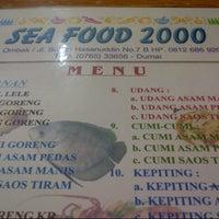 Photo taken at Sea Food 2000 by Lukman T. on 12/24/2012