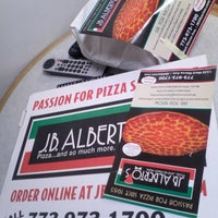 Photo taken at J.B. Alberto's Pizza by Rogers Park Chamber of Commerce on 11/13/2016