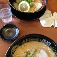 Photo taken at らーめん とら王 by sonoda m. on 5/6/2014