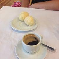 Foto diambil di Café Severino oleh Júlio A. pada 2/22/2014