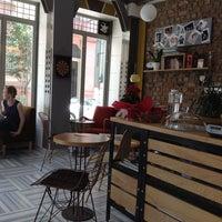 5/16/2013 tarihinde Melisa A.ziyaretçi tarafından 1 Kahve'de çekilen fotoğraf