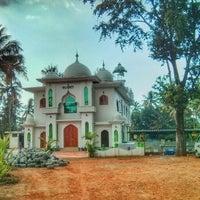 Photo taken at Aryankala Juma Masjid by Amitto K. on 11/27/2013