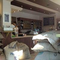 Foto scattata a Die Kaffee Privatrösterei da Michael W. il 6/5/2013