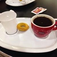 Foto tirada no(a) Café do Ponto por Louise S. em 12/27/2014
