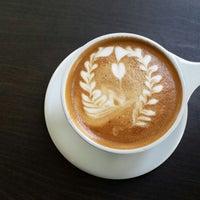Photo prise au C+M (Coffee and Milk) LACMA par Kati K. le8/3/2013