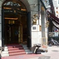 Das Foto wurde bei Hotel Wellington von Mario P. am 7/17/2013 aufgenommen