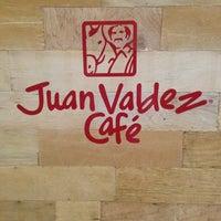 Foto tomada en Juan Valdez Café por Mariana L. el 5/29/2013
