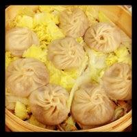 Photo taken at Joe's Shanghai 鹿鸣春 by Jade ⭐. on 9/23/2012